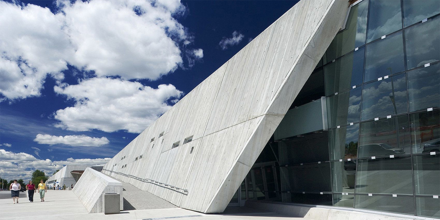 exterior slanted wall of canadian war museum
