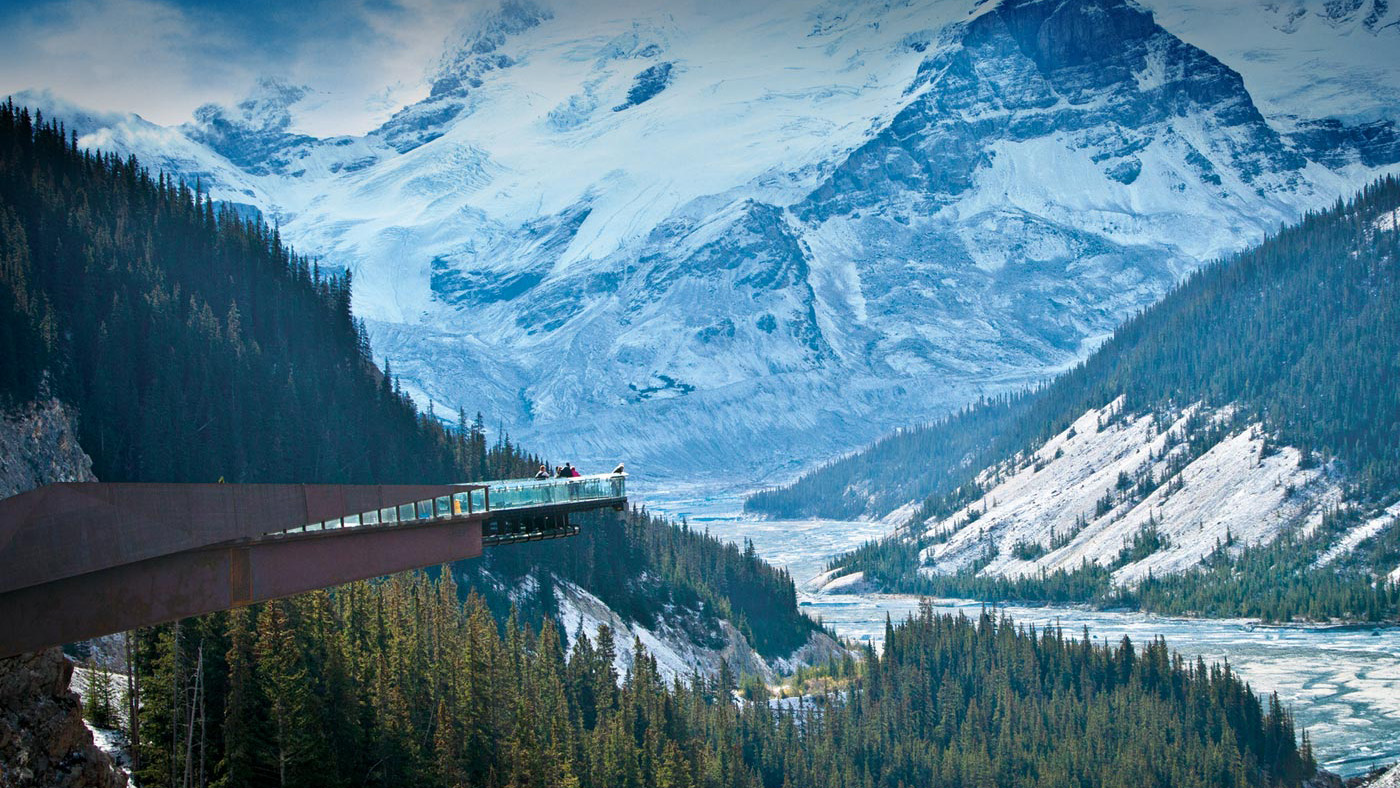 Vast view of snowy mountains and Glacier skywalk in Jasper National Park.